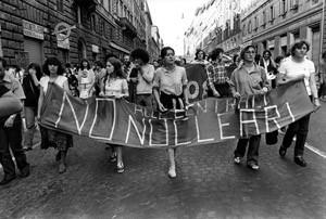 manifestazione contro nucleare casa donna governo vecchio herstory  storia gruppi Roma