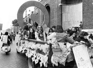 manifestazione 8 marzo movimento romano pompeo magno femminismo herstory  luoghi donne gruppi lesbiche Roma archivia