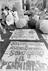 manifestazione parità  noidonne herstory archivia femminismo luoghi  storia gruppi Roma donna