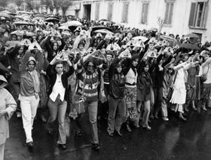 manifestazioni delle donne fiori per giorgiana masi Archivia Herstory femminismo a roma e Lazio