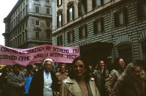 manifestazione delle donne contro la violenza sessuale Archivia Herstory femminismo a roma e Lazio