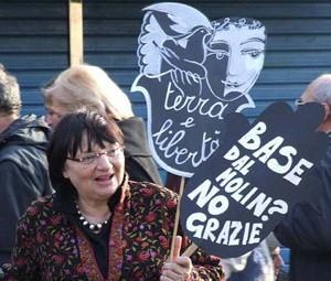 Donne in nero  manifestazione herstory  femminismo storia collettivi gruppi Roma