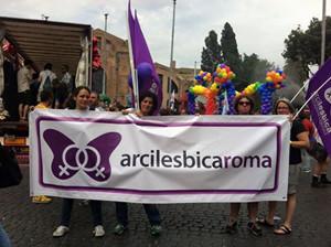 manifestazione gay pride herstory  femministe lesbiche donne storia collettivi gruppi