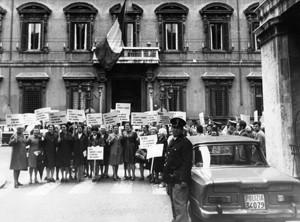 manifestazioni delle donne maternità Archivia. Herstory femminismo a roma e Lazio