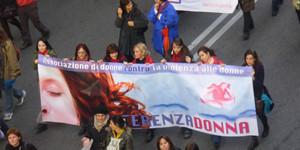 striscione manifestazione differenza donna herstory  femministe luoghi storia collettivi gruppi Roma